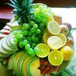 Üppiger Obstteller