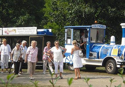 """Der """"Schlendrian"""" macht auf seiner Tour am Thümmlitzsee Station"""